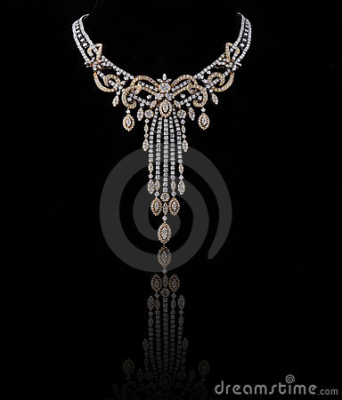 Free Diamond Necklace Royalty Free Stock Image - 14620326