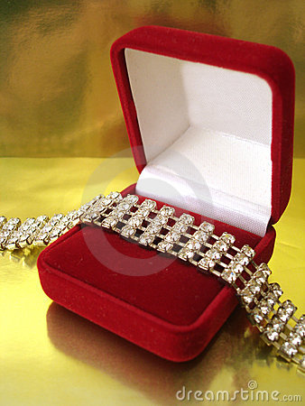 Free Diamond Necklace In Red Box Stock Photos - 3505593
