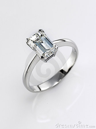 Free Diamond Ring Stock Photos - 9804683