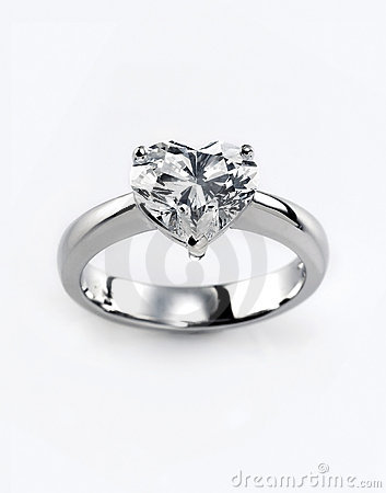 Free Diamond Ring Royalty Free Stock Photo - 9888035