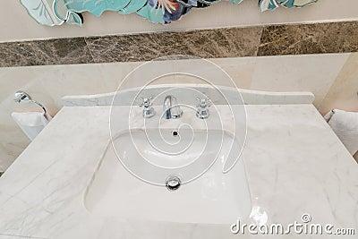 Die Moderne Elegante Wanne Im Badezimmer Stockfoto - Bild: 56538590