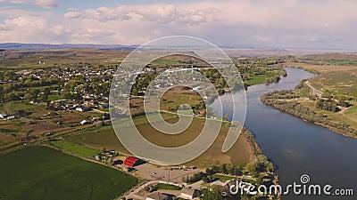 Die Snake River Windungen entlang dem Führen von Glenns-Fähre Idaho stock footage