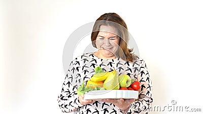 Dieta di raccomandazione di medico ad una donna grassa stock footage
