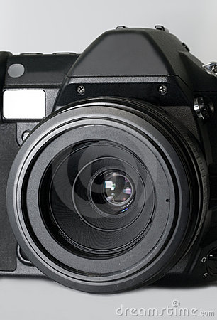 Digital slr camera with macro lens