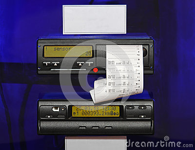 how to change the time on a digital tachograph