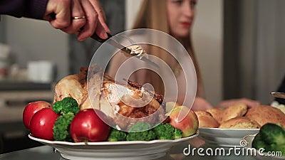 Dinde de découpage première génération de thanksgiving banque de vidéos