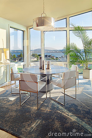 Free Dining Room In Luxury Home Royalty Free Stock Photos - 27260968