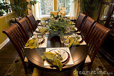 Dining table 1604