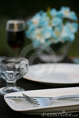 Free Dinner Party Table Royalty Free Stock Images - 5584539