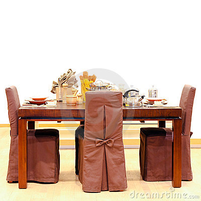 Free Dinning Table Royalty Free Stock Image - 15918376