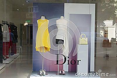 Dior lyxboutique Redaktionell Arkivfoto