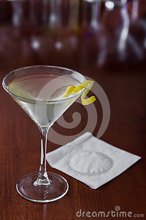 Free Dirty Martini With A Lemon Twist Royalty Free Stock Photos - 29506338