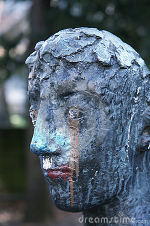 Dirty statue head