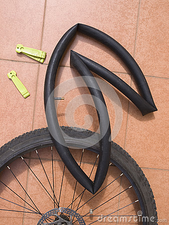 Disassembled bicycle wheel with air chamber