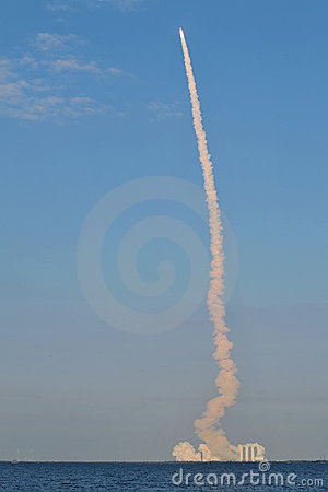 Discovery s Final Launch Editorial Image