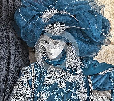 Disfraz veneciano azul Imagen de archivo editorial
