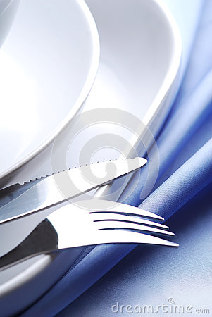 Dishware on the tablecloth