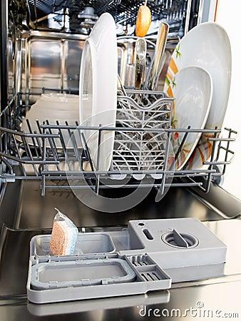 Free Dishwasher Royalty Free Stock Photo - 19599445