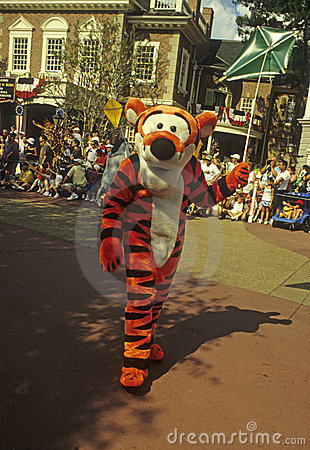 Disney World Magic Kingdom Parade- Tigger Editorial Stock Image
