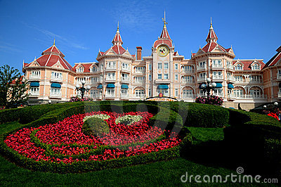 Disneyland Paris - entrance to the park Editorial Photography