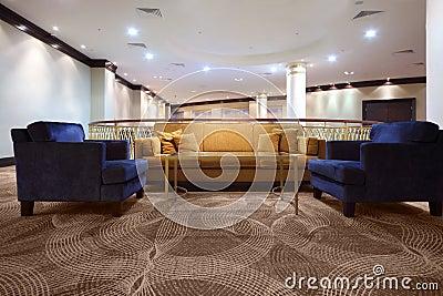 Divan et fauteuil l 39 int rieur de hall d 39 clairage images for Divan et fauteuil