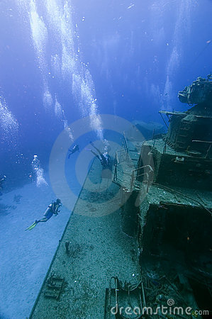 Free Divers Exloring A Wreck Stock Photography - 4770582