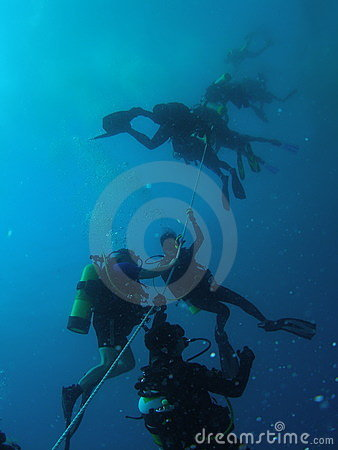 Divers safety stop