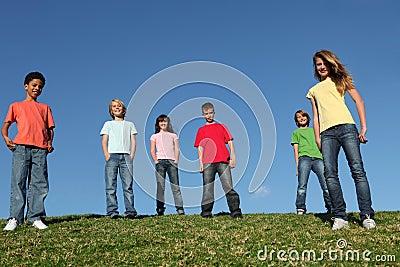Diverse de groepsjonge geitjes of jeugd