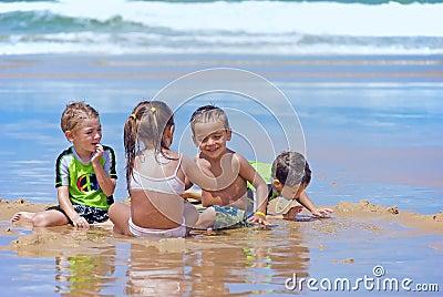 Divertimento da praia do verão