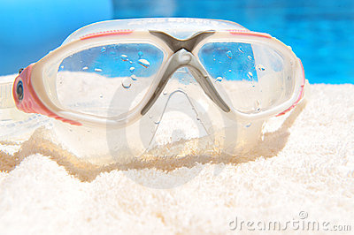 Diving mask by pool