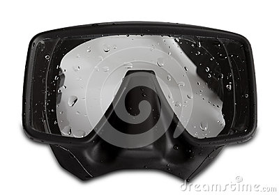 Diving mask with water drops