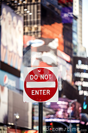Free Do Not Enter New York Traffic Sign Royalty Free Stock Photo - 35464435