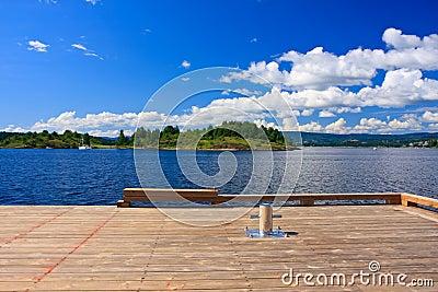 Dock bollard
