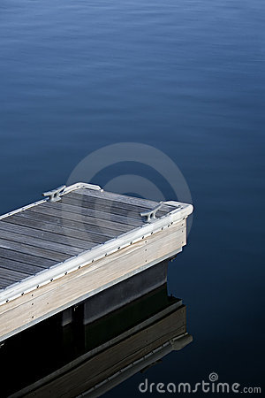 Dock with cleats