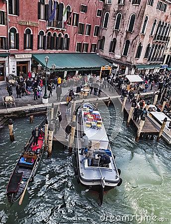 Dock vénitien Image éditorial