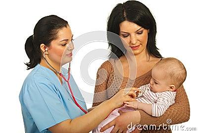 Doctor examine baby