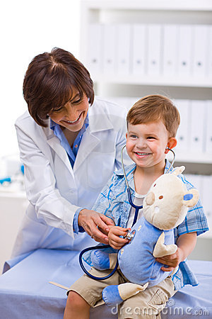 Free Doctor Examining Child Royalty Free Stock Photo - 7940835