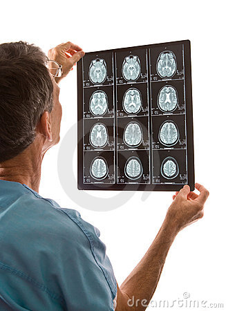 Free Doctor Viewing MRI Scans Stock Image - 6167381