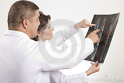 Doctors are  checking x ray