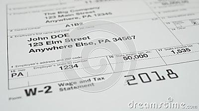 Documento do imposto para o formulário de imposto do IRS W-2 filme