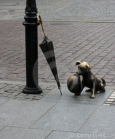 Dog sculpture in torun