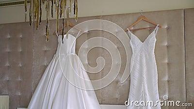 Dois vestidos de luxo para noiva Bridal White video estoque