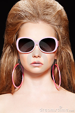Free Doll. Fashion Model With Pink Sunglasses, Big Hair Stock Photo - 17076060
