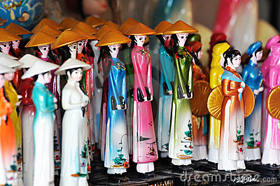 Doll in Vietnam in traditionele stijl