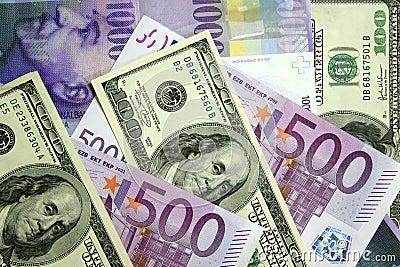Dollari, euro, franco svizzero
