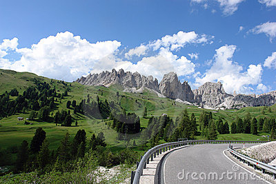 DOLOMITE ALPS, ITALY.