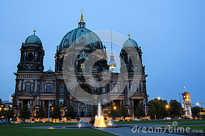 Dom in Berlin at night