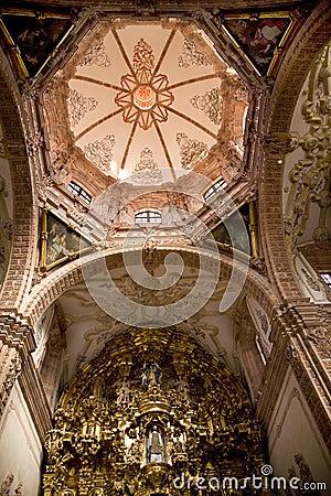 Free Dome Golden Altar Valencia Church Mexico Royalty Free Stock Photography - 4935327