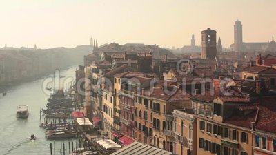 Dominios y techos con vistas a Venecia desde arriba almacen de video