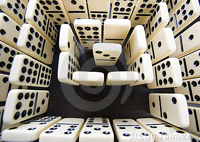 Domino pieces & Labyrinth